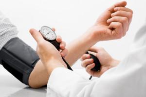 Гипертония - одна из частых проблем при заболевании сосудов
