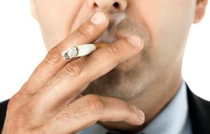 Табакокурение - одна из причин развития заболевания