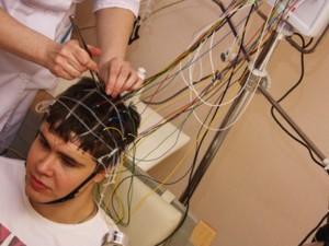 РЭГ обследование сосудов головы у подростка